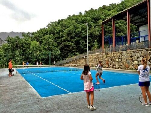 edad para comenzar en el tenis entrenamiento en camp rialp - ¿Cuál es la mejor edad para comenzar en el tenis?