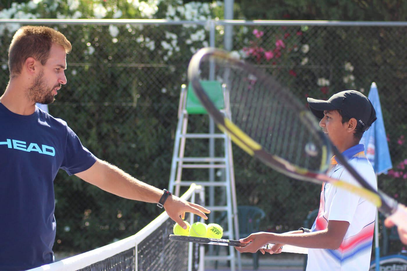 IMG 5885 - ¿Quieres saber cómo ser entrenador de tenis? – ¡Te explicamos cómo conseguirlo!