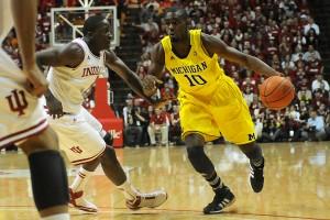 Tim Hardaway Jr vs Victor Oladipo ertheo 300x200 - La fiebre del baloncesto universitario en Estados Unidos