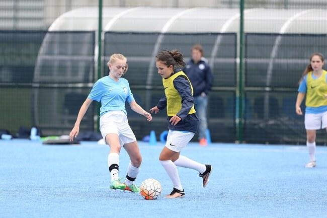 futbol femenino campamento Manchester City - El boom del fútbol femenino