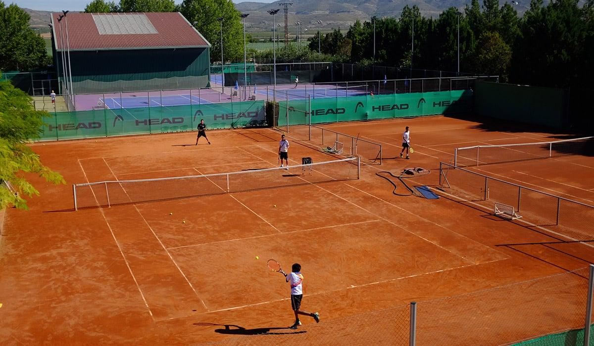 tenis de alto rendimiento academia Ferrero ertheo - Campamentos de tenis e inglés. Consejos para valorar un programa con idiomas