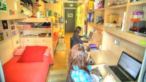 alojamiento del campamento de fútbol para chicas fc barcelona