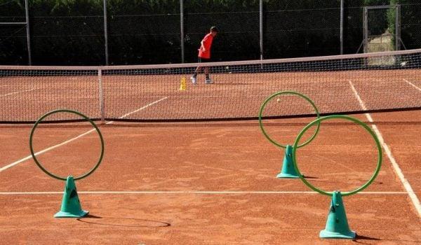 ferrero 36 600x350 - Ejercicios y material de tenis para niños