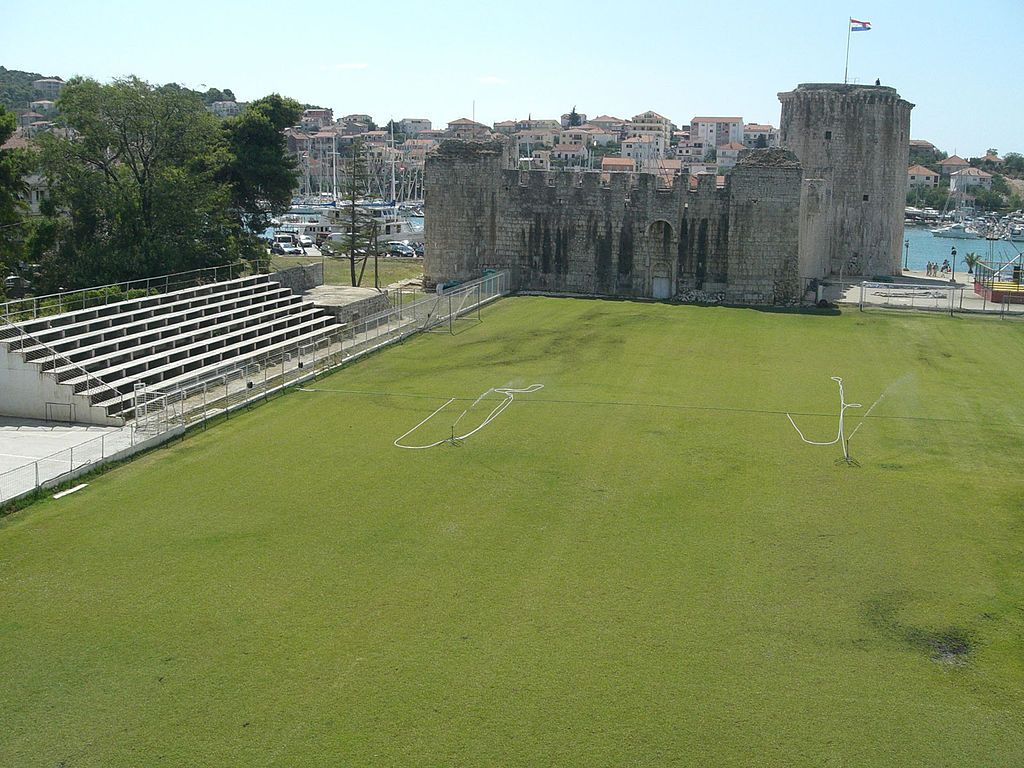 By Ante Perkovic Own work CC BY 3.0 - 11 Famous Football Stadiums: Which is the biggest? The most modern? The most impressive? The strangest?
