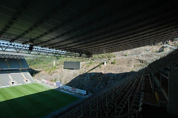 estadio municipal de braga - Curiosidades sobre los estadios de fútbol en el Mundo