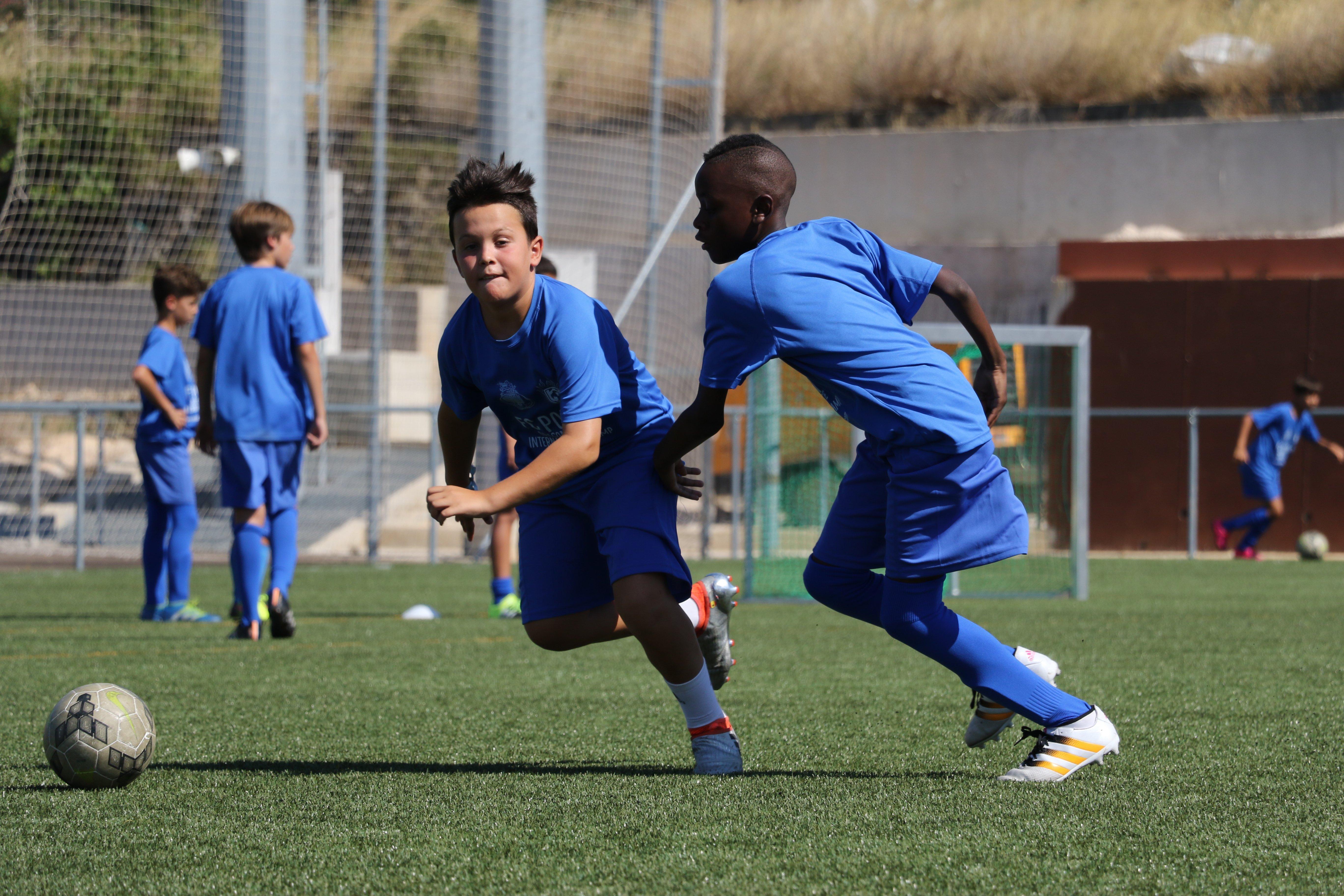 Entrenamiento en los campamentos de fútbol en España 2018