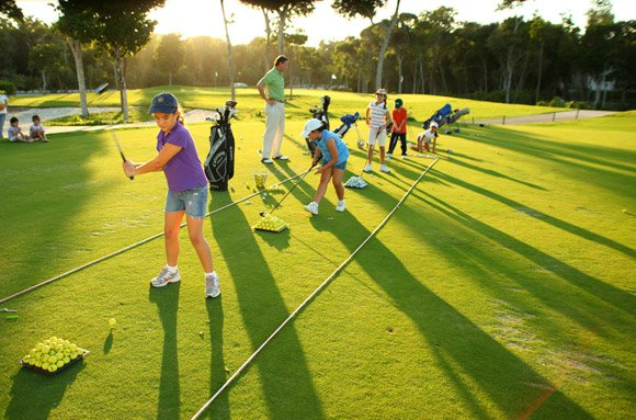 Golf academy featured image - High-performance golf camps | Ertheo Education & Sports
