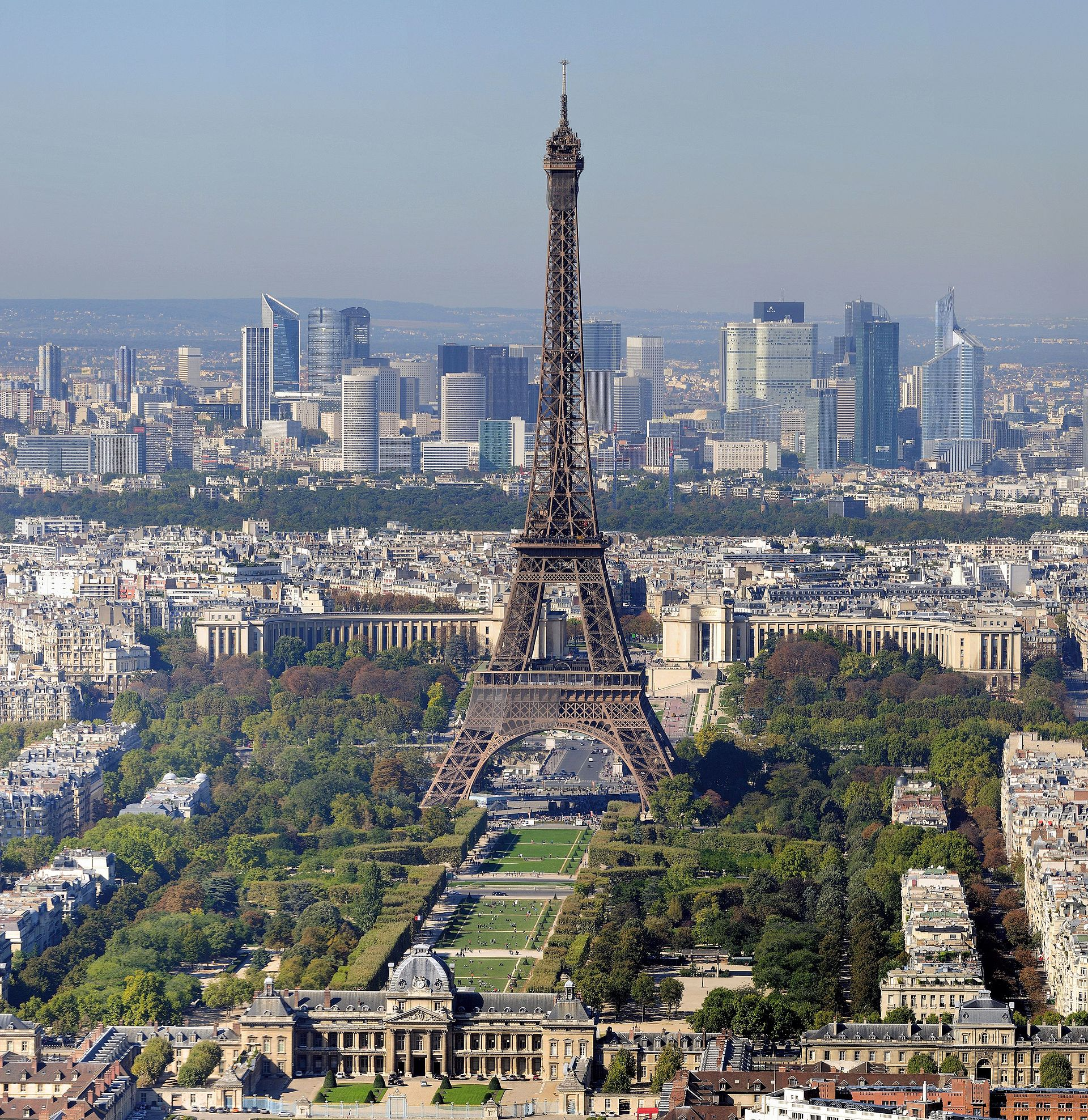 Paris torre eiffel summer camps in france - Les 10 avantages des stages de football internes