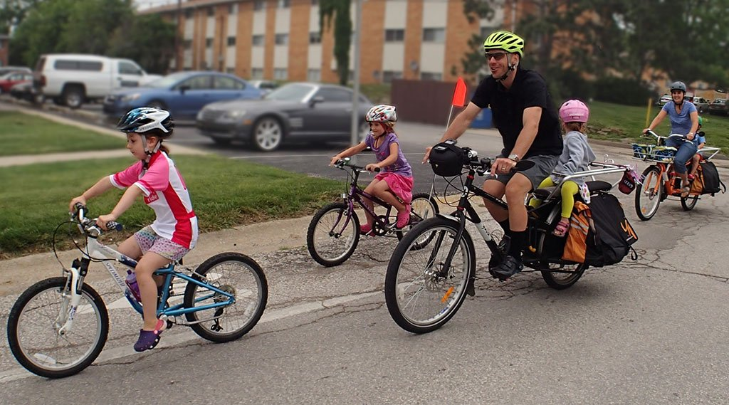 deporte familia bici 1024 - 10 ideas to exercise with your kids