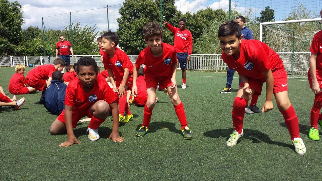 psg summer camps in france 2017 - 10 beneficios de los campamentos de fútbol internos