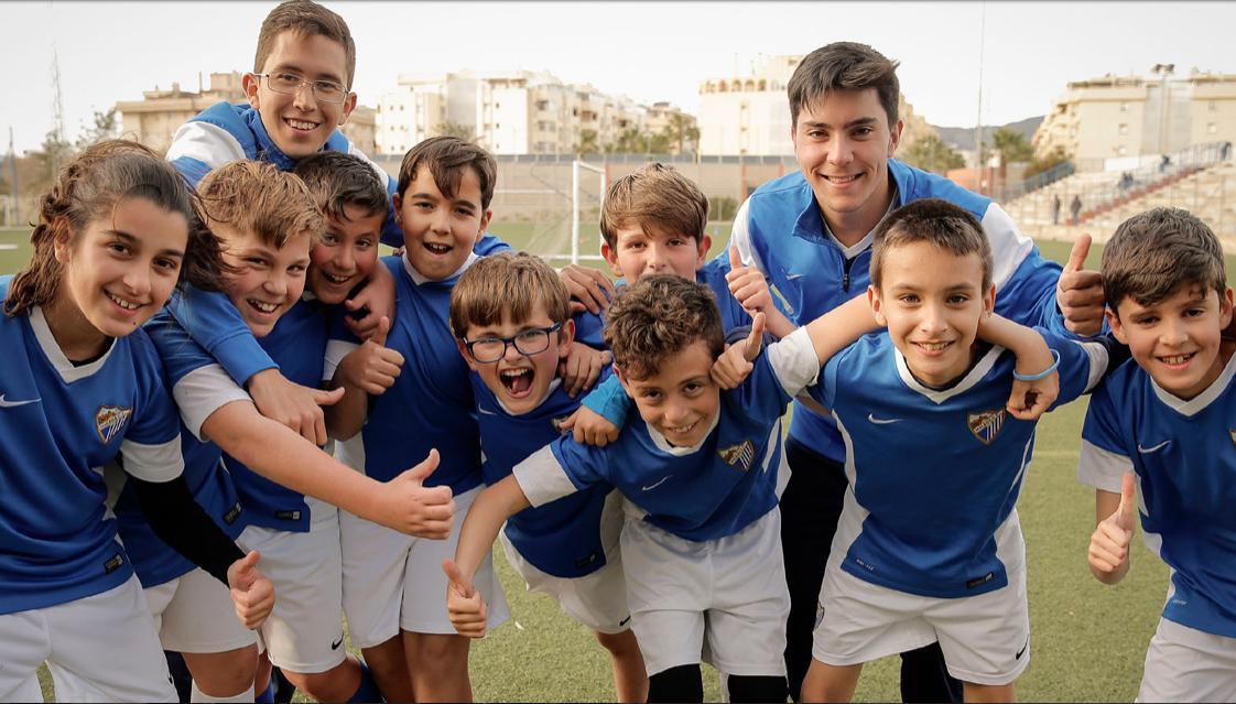 Portada campamento Málaga CF - Les 10 avantages des stages de football internes
