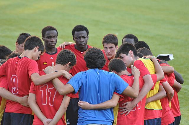 DSC 1117 - Comment les stages de football aident-ils à ouvrir l'esprit des jeunes?