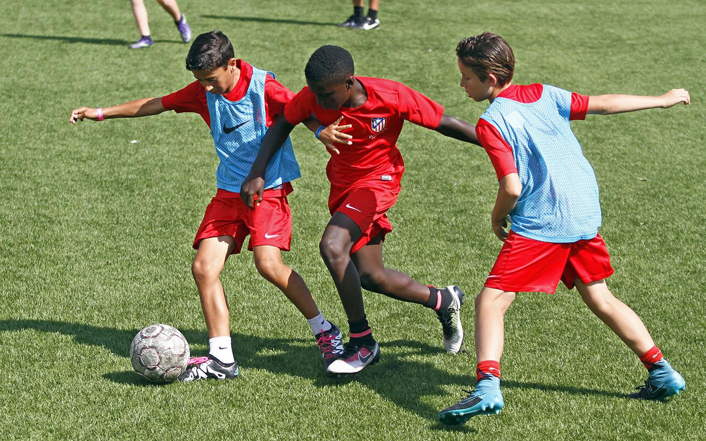 campus verano 4 1 1 - Comment les stages de football aident-ils à ouvrir l'esprit des jeunes?