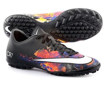 tipos de botas de fútbol multitacos - Savez-vous comment choisir des chaussures de football pour chaque terrain de jeu?