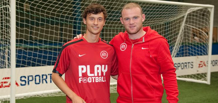 rooney visita la academia - Stages de football en Angleterre 2020