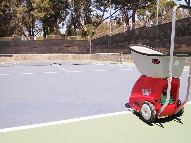 Ultimate Tennis Equipment list - tennis ball machine
