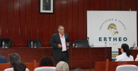 Hernández Mendo habla sobre valores del deporte