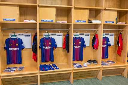 Locker Room at the FC Barcelona High Performance Academy - How to choose a soccer academy -  A complete guide from Ertheo