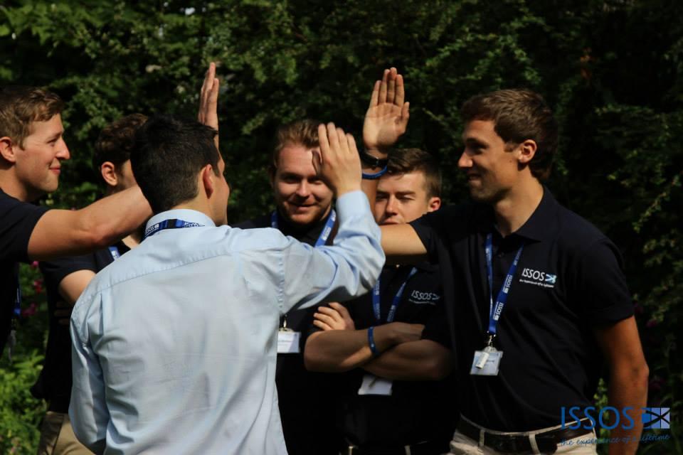 chicos del campamento de liderazgo en Yale, Cambridge y ST. Andrews