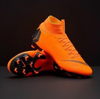 Nike flyknit que regalan en el campamento del Manchester City - Congratulations champions!