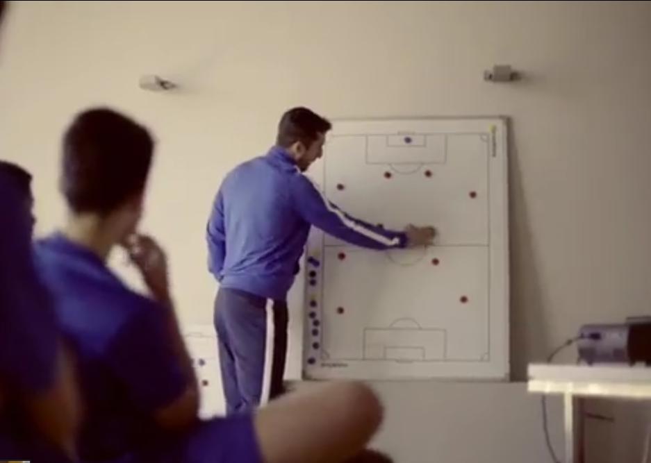 Sesión táctica en el internado de fútbol de Valencia