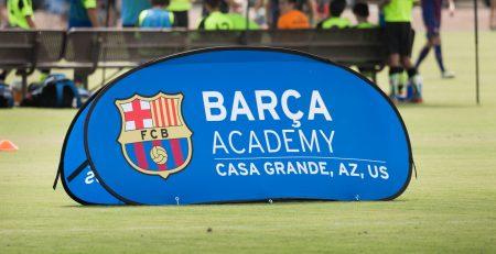 cartel del campamento invierno fc barcelona usa