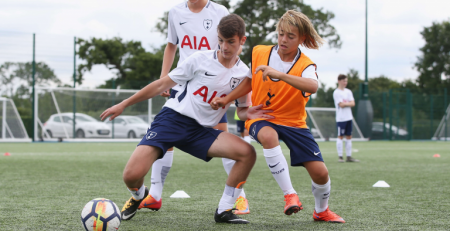 Tottenham summer camps in the UK - Soccer training