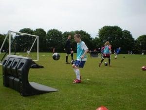 Nivel juego e intensidad entrenamientos 300x225 - Cinque punti da ricordare per poter scegliere il miglior campo estivo calcio