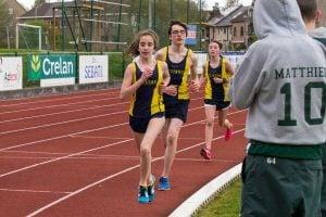 track sport field running run spring 440949 pxhere 300x200 - Entrenamiento de fuerza para deportistas juveniles