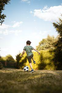 pexels dominika roseclay 2682543 202x300 - La importancia del trabajo psicológico en el deporte - Cómo ser el psicólogo deportivo de tu hijo
