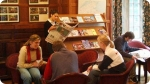 Language classes at Golf + Idiomas - St. Andrews. Right picture