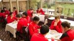 Attività ricreative del Alte Prestazioni UK Campus di Calcio. Immagina a sinistra