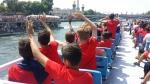 Atividades recreativas no Acampamento de Futebol do Paris Saint Germain - Paris. Foto à direita