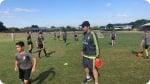Treinamento no Acampamento de Futebol do Real Madrid na Dublin. Foto esquerda